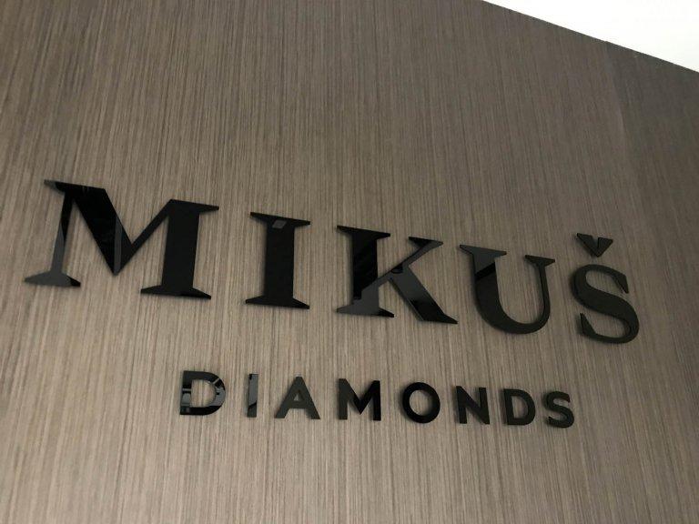3D logo čierne plexisklo MIKUŠ Diamonds